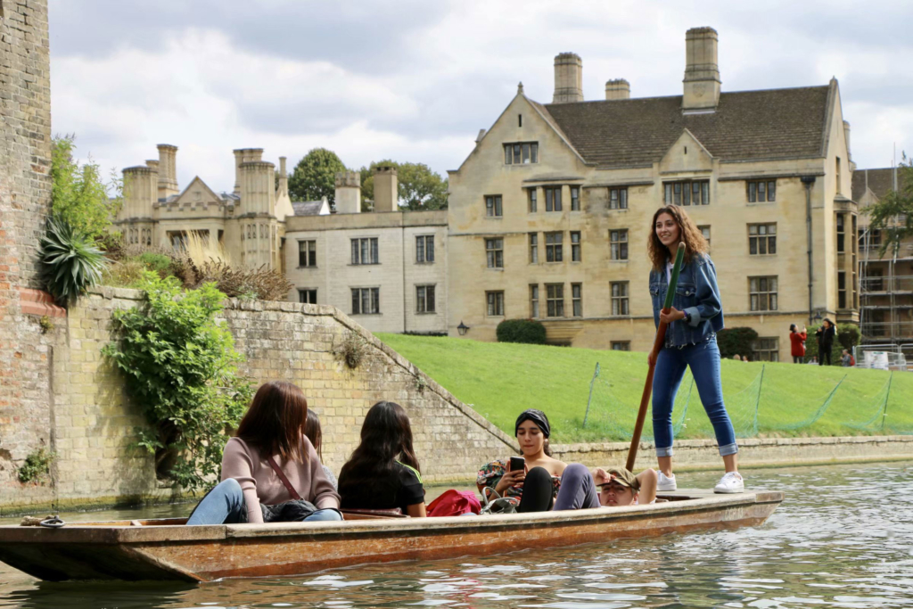 students punting in induction week